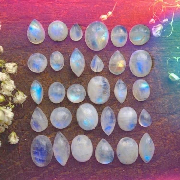 Mornin' :relaxed:️ - moonstone, crystals - thatgirlstayce | ello
