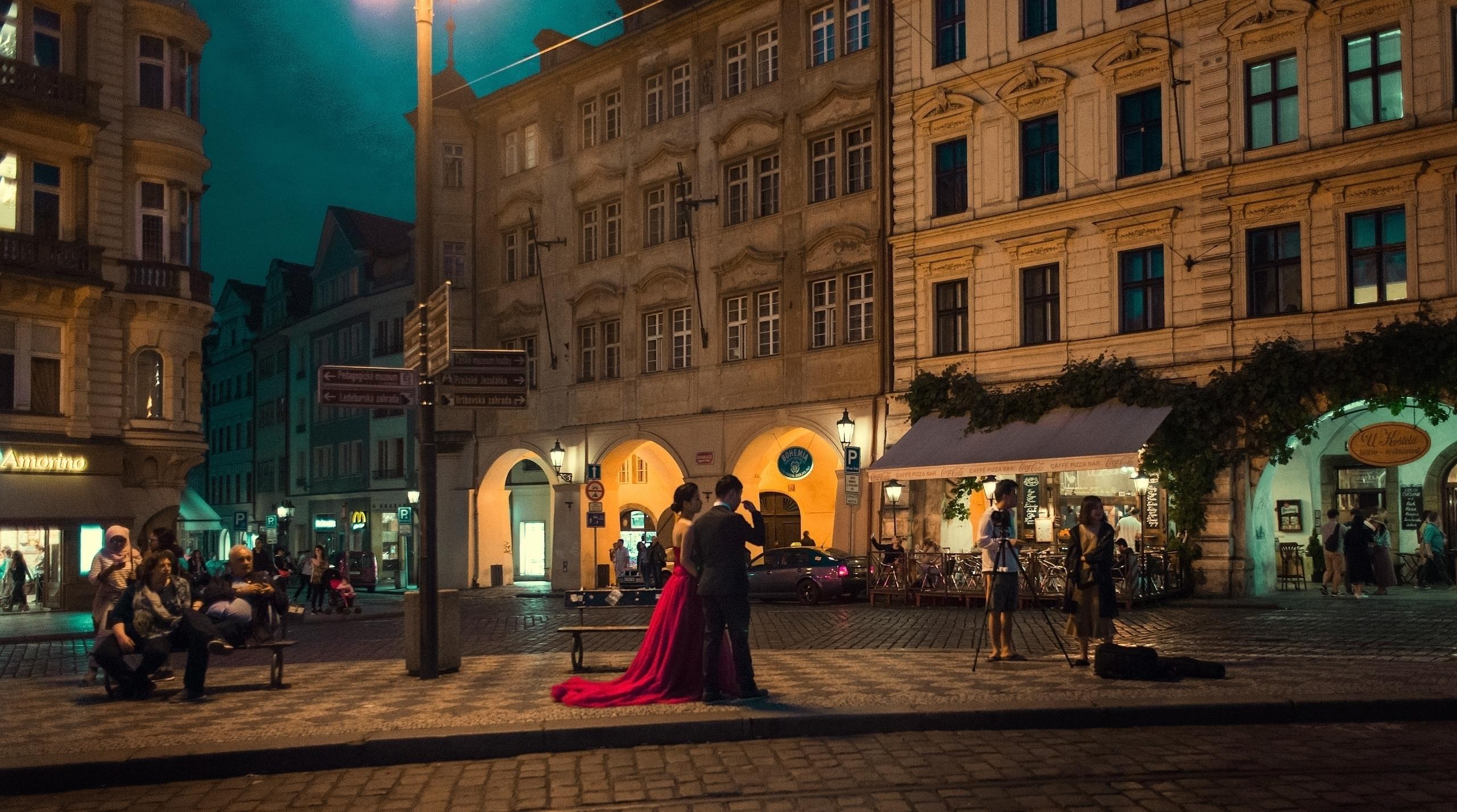 Walking gorgeous city Prague Ni - edward3 | ello