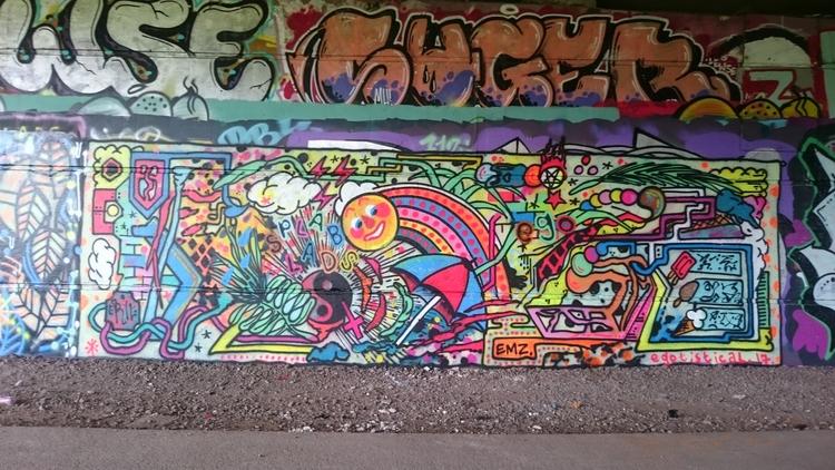 Happy_face, Sunshine, Neon, Rainbow - the_rush_hour_tourist | ello