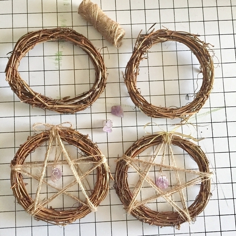 Making Amethyst Witchy Wreaths - thatwitchiscrafty | ello