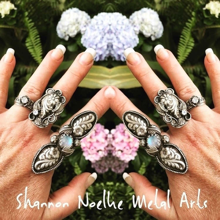 Floral delights - shannon_noelke_metal_arts | ello