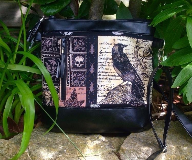 latest listing. Cross Body Bag  - beesattic | ello