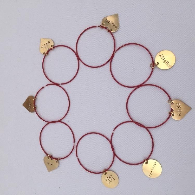 Resistance jewelry! pick 2 char - dearelaan | ello