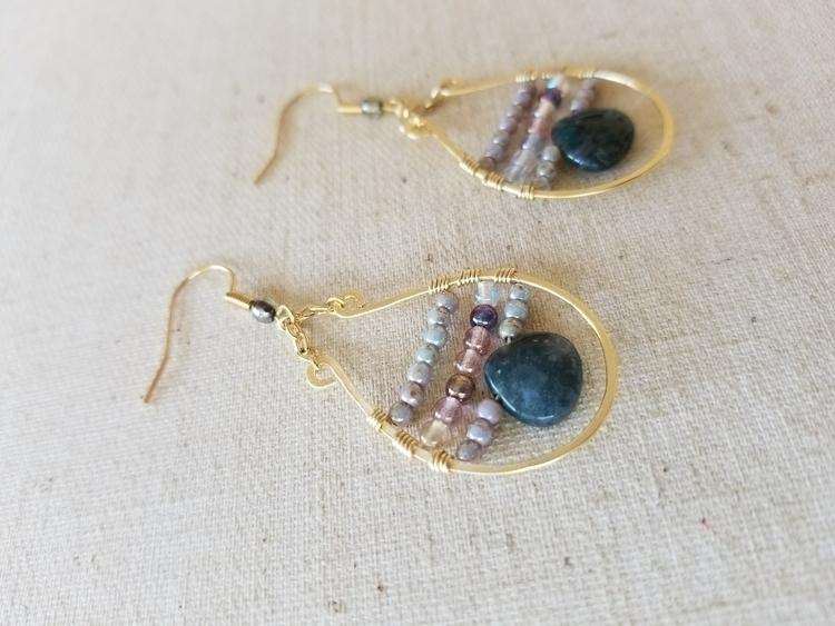 Hammered Gold Earrings Briolett - strandedkiwi | ello