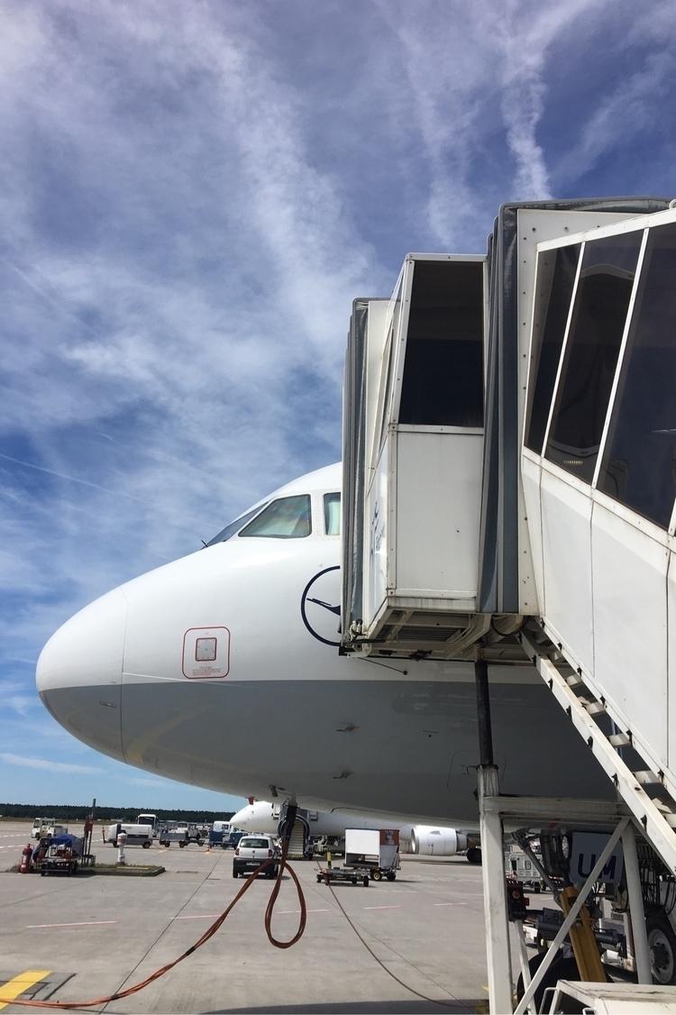 Boarding A320 onwards Rome! FRA - rowiro   ello