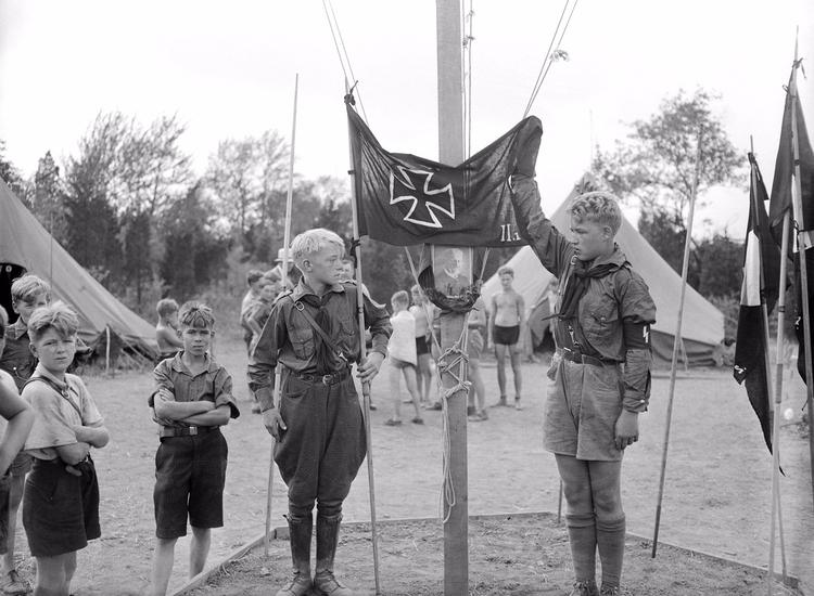 German American Bund Camp youth - valosalo | ello