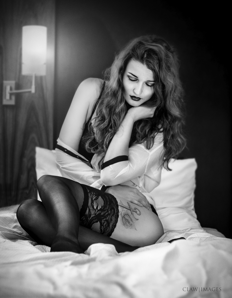 Hotel, waiting  - photography, monochrome - lesjbarclay | ello
