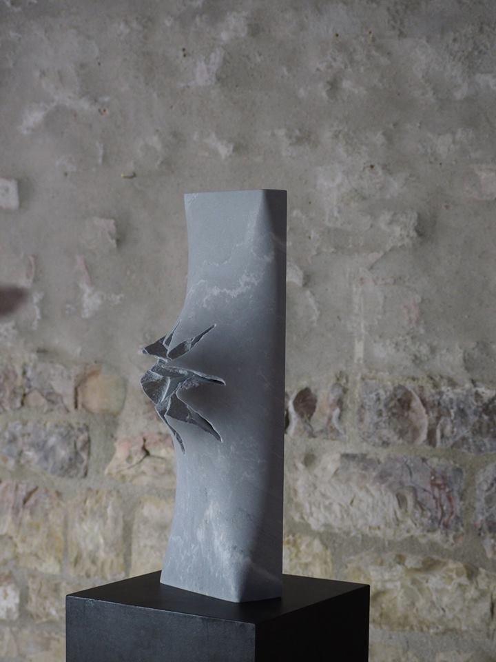 Stark, minimal freestanding scu - fabrik | ello