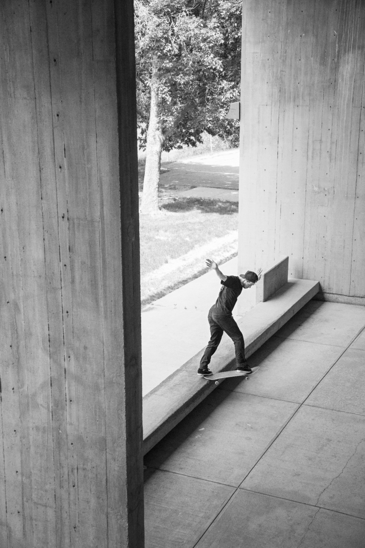 Riley Persing, tail - skateboarding - philmckenzie | ello