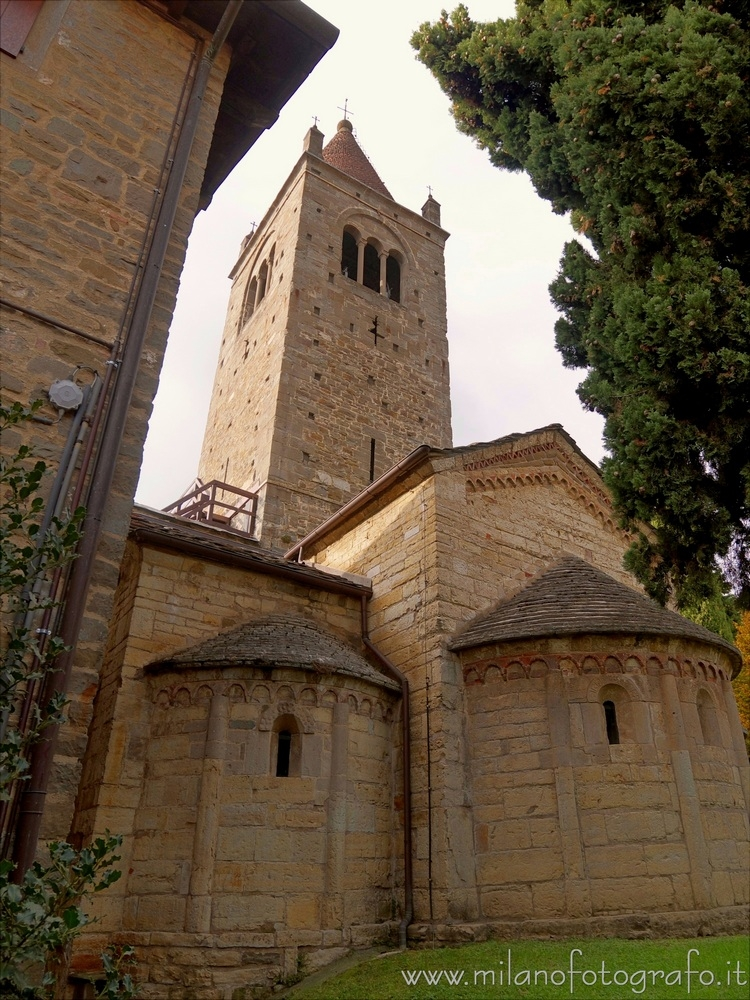 Sotto il Monte (Bergamo, Italy - milanofotografo | ello