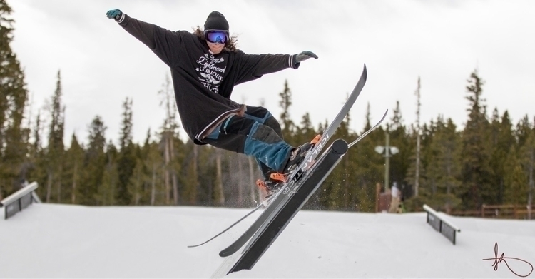 ski, skiing, Icelanticskis, rails - departureflight | ello