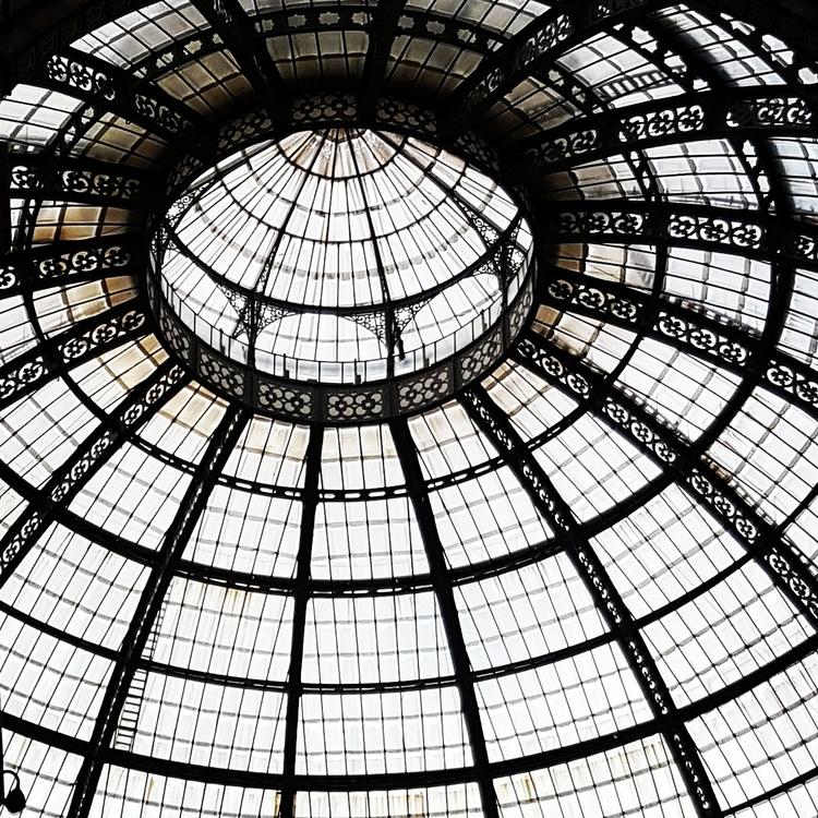 Glass Dome Milano - umez | ello