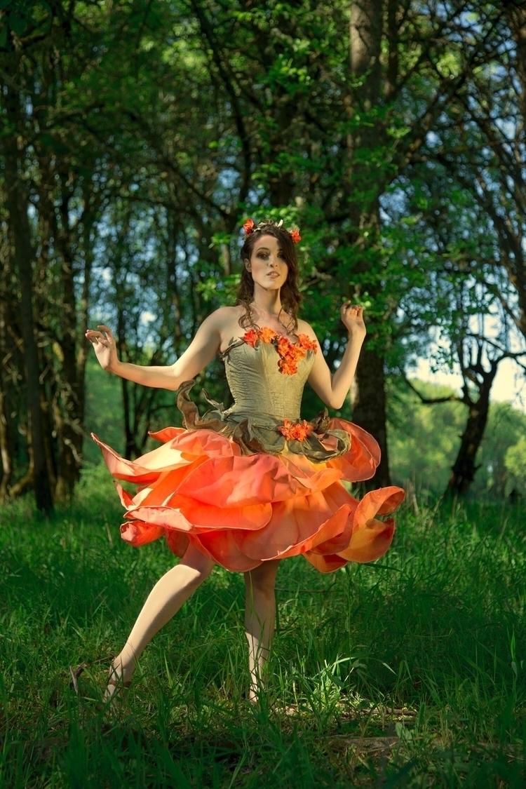 Alysse Fozmark modeling rose fa - harmonysagelawrence   ello