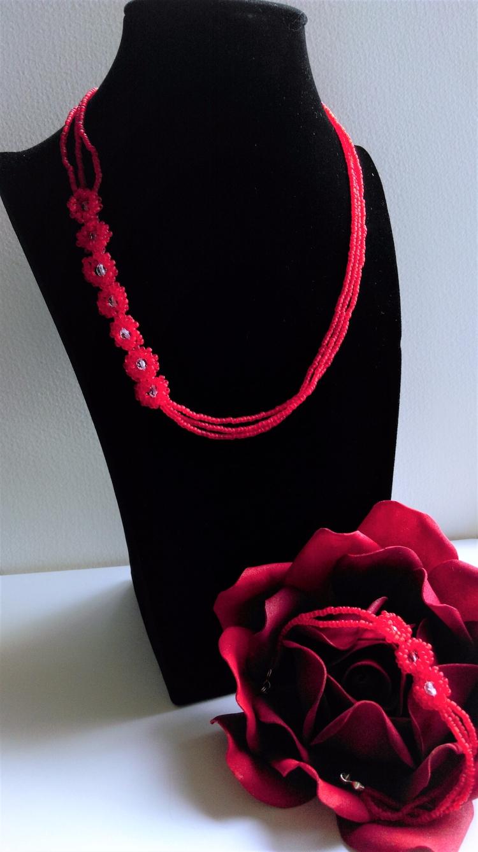 Sett Daisy red centers - bracelet - haleh_creates | ello