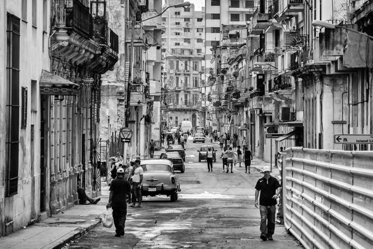 gloriousness watch television - Habana - christofkessemeier | ello