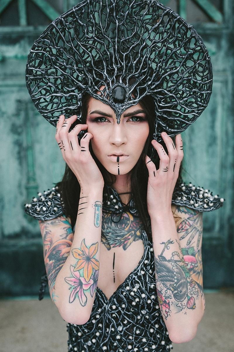 Photographer:Heather Tabacchi  - darkbeautymag | ello