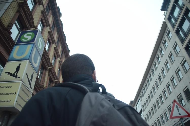   frankfurt - elenipang   ello