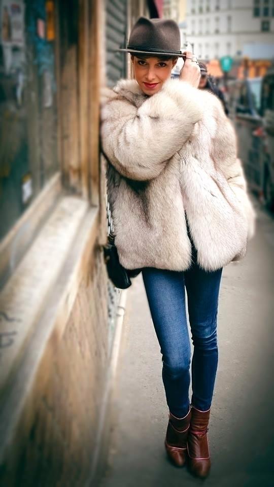 Camille walks subway, spot gott - stephaniepfeiffer | ello