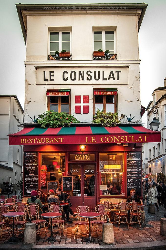 Restaurant Le Consulat. Montmar - decorkiki | ello