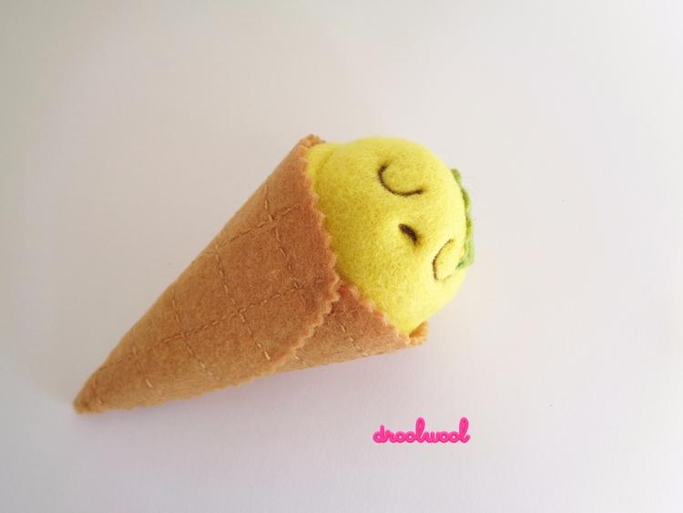 Scoopsie, kind Art Toy. Scoopsi - droolwool | ello