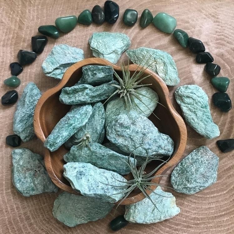 Fuchsite Green Muscovite Mica e - thelunarfae | ello