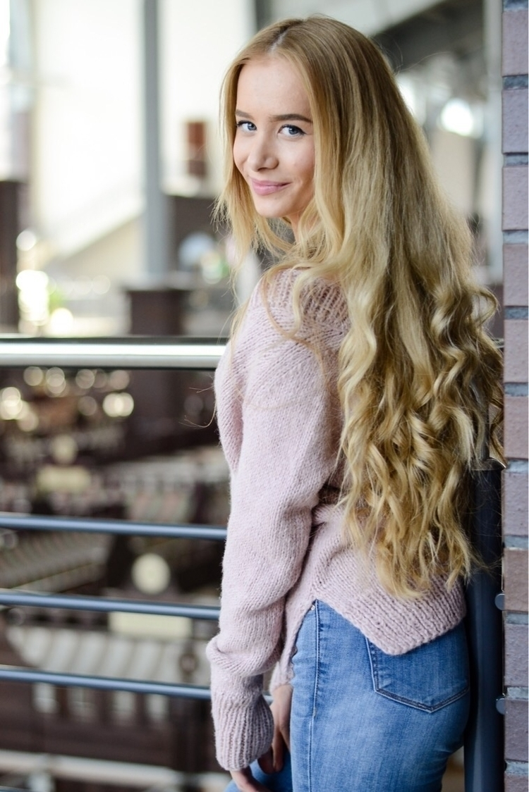 Soft pink knitted sweater - knittedsweater - shoplalune   ello