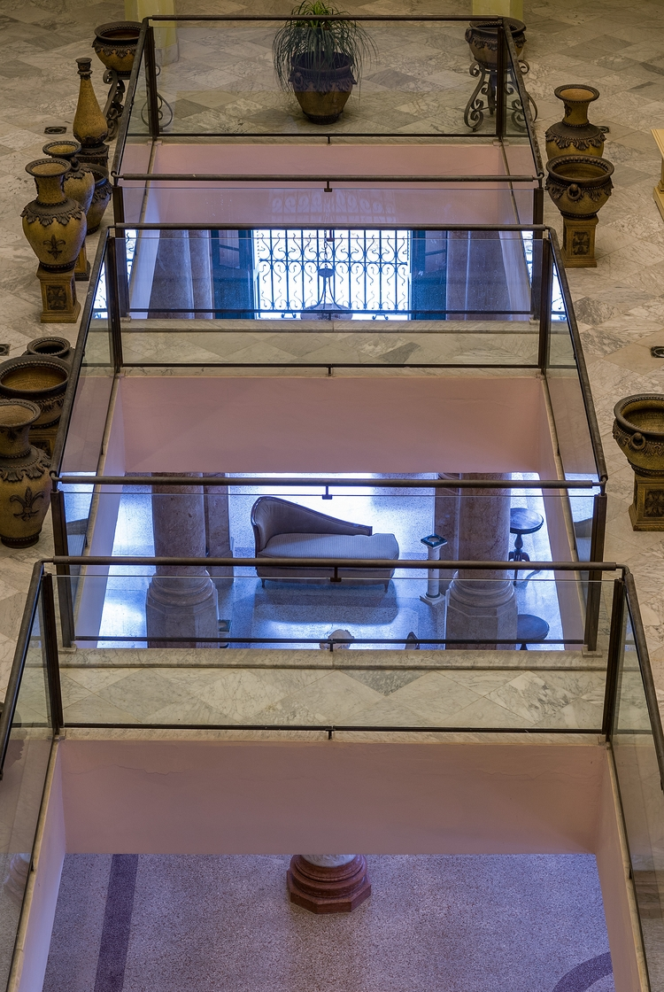 empty Chaise-longue - Habana, Cuba - christofkessemeier | ello