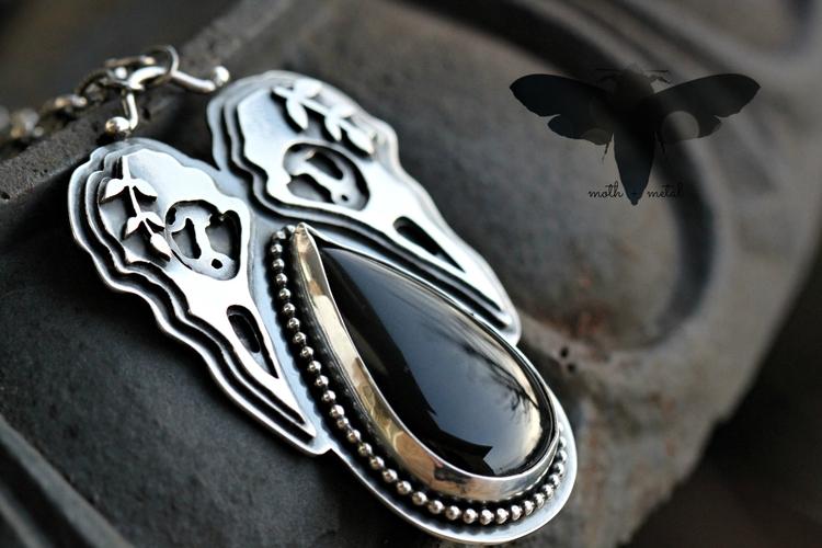 Double raven skull necklace sol - mothmetal | ello