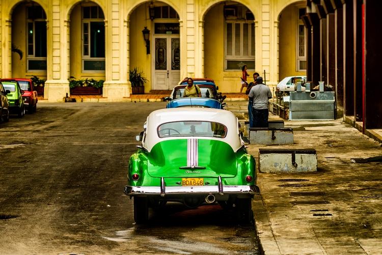 Streamliner big gun - Habana, Cuba - christofkessemeier | ello