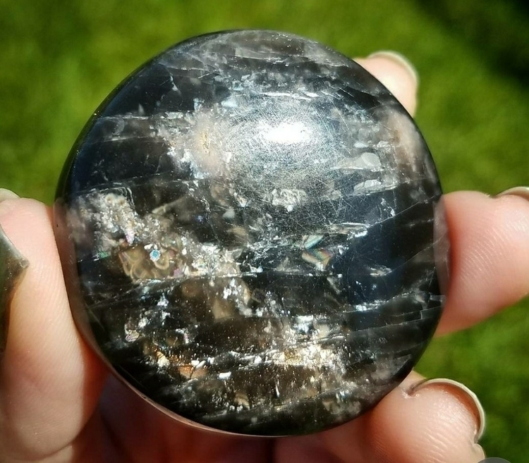 *SOLD* beautiful shimmery black - medusasmuses | ello