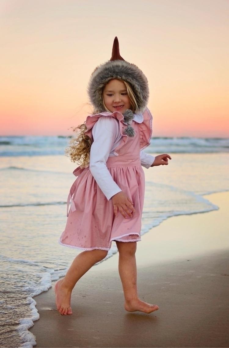 beach sunset Wearing:  - goldcoast - harlowinwonderland | ello