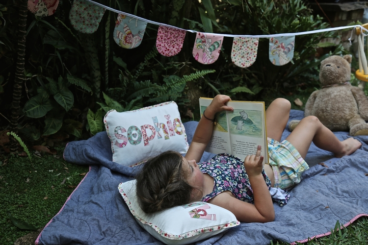 Heaven snuggling garden den goo - under_the_hawthorns | ello