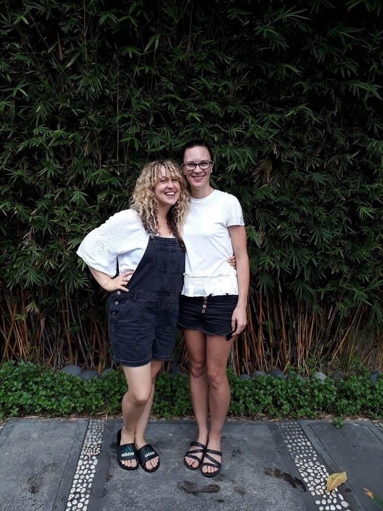 Ello! Beck Han (left) sisters l - dd_apparel | ello