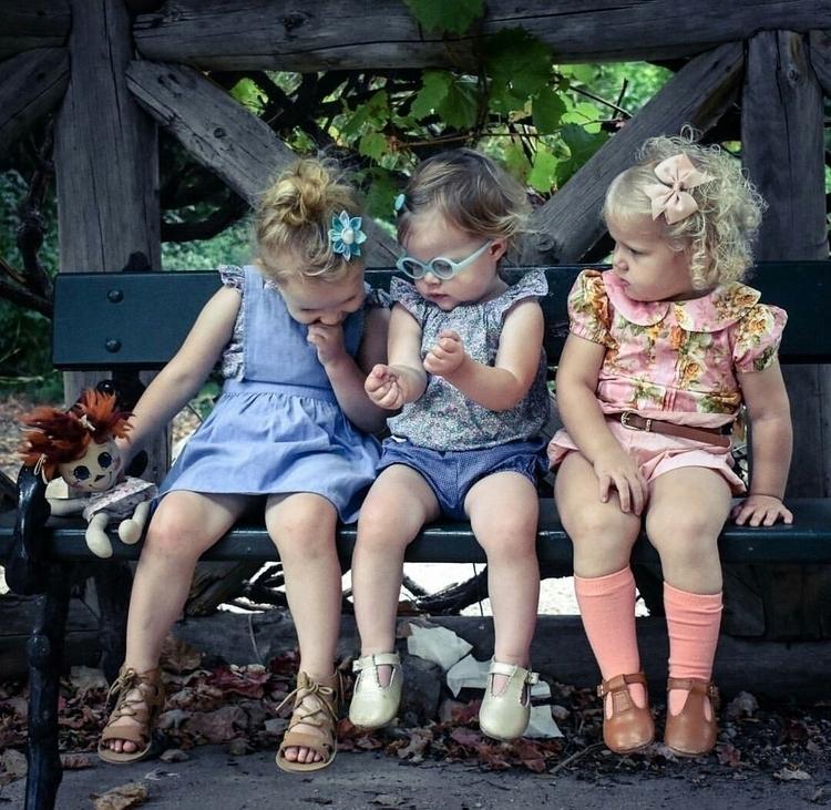Friends lean . love catch ups - photography - mylittlerussiandoll   ello