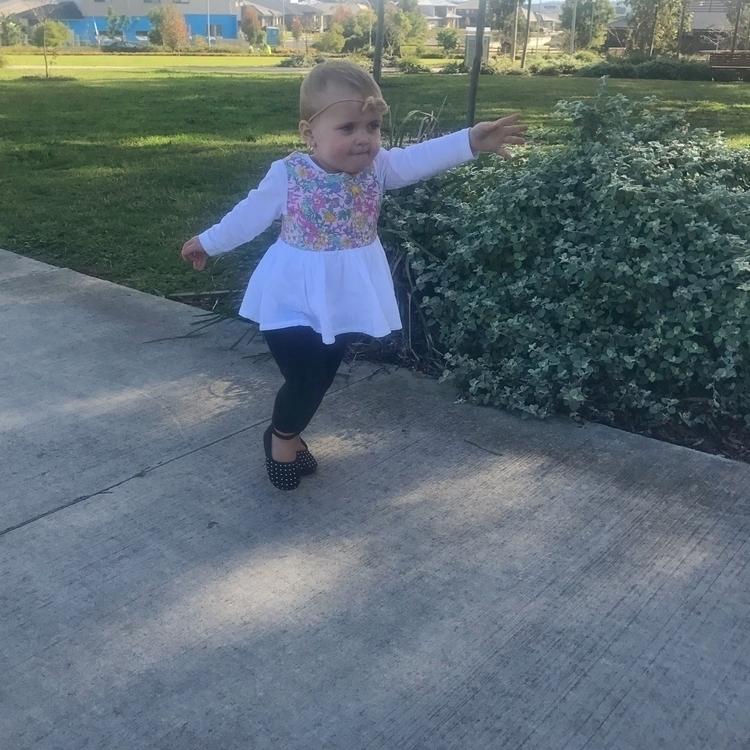 Amelia running park - amelia_ann_16 | ello