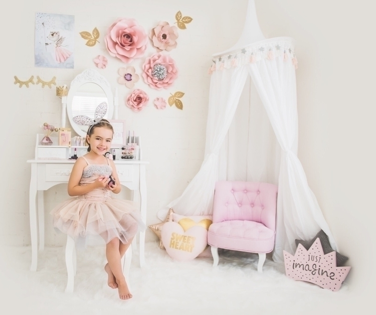 princess lives lovelml - littlemakeuplovers - littlemakeuplovers | ello
