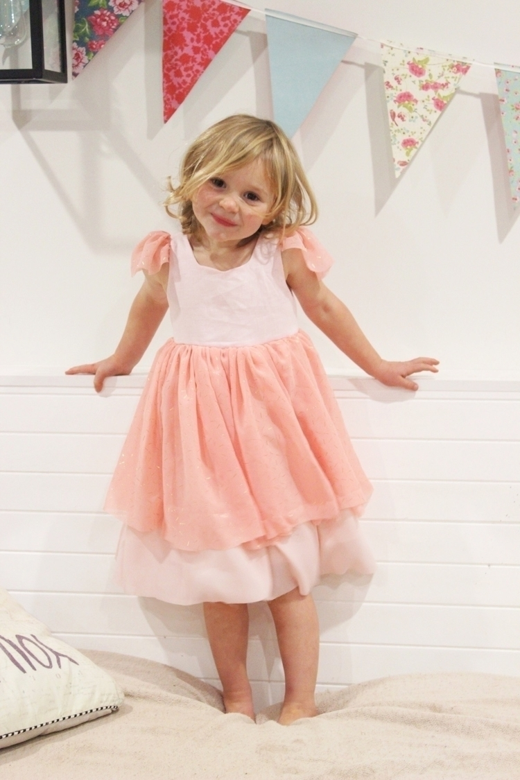Love happy wearing - princess, princessdress - lottie_clothing | ello