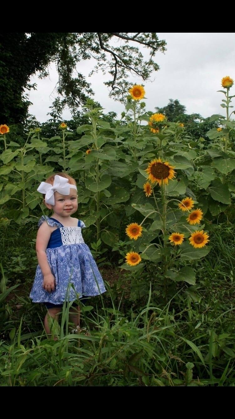 Sunflowers sunshine - sunflowers#sunshine#wdw#repthepack - lifewitheverlykate | ello