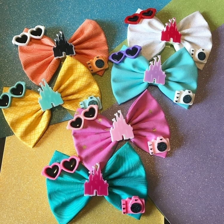 Castle Fun Day Bows - aliciaswonderland | ello