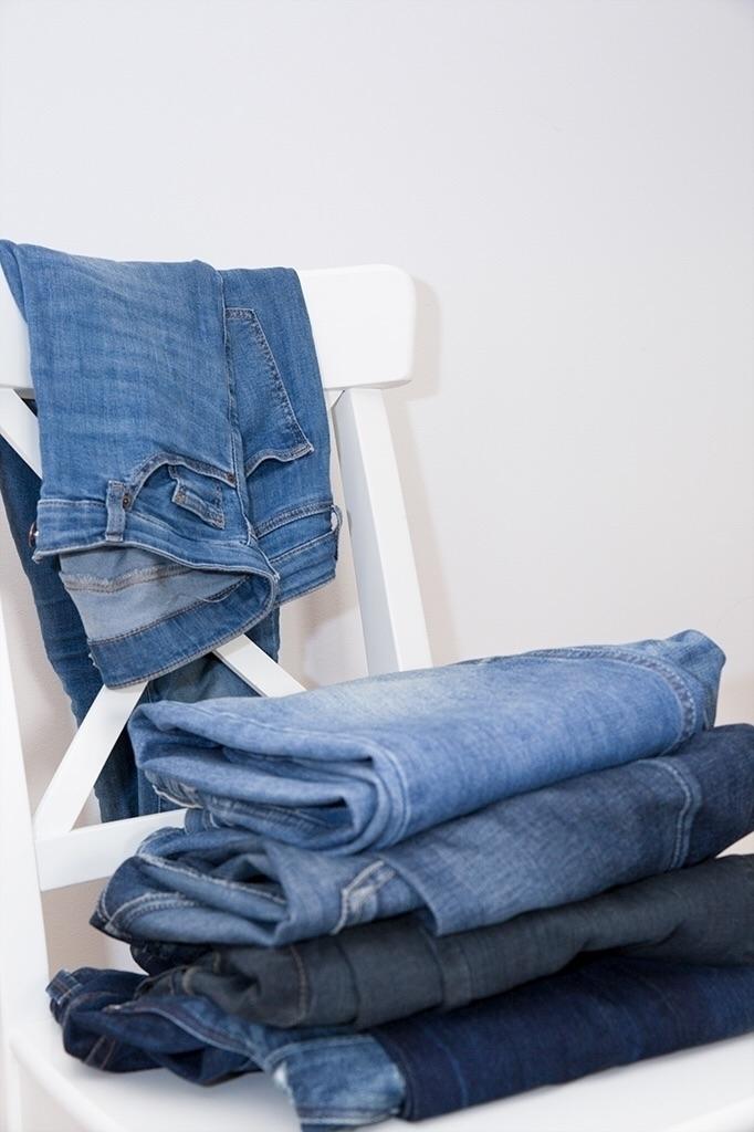 pairs jeans - lifestyle photogr - thephotolabel | ello