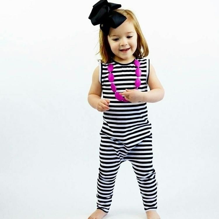 Black White Stripes Basic rompe - randomrompers | ello
