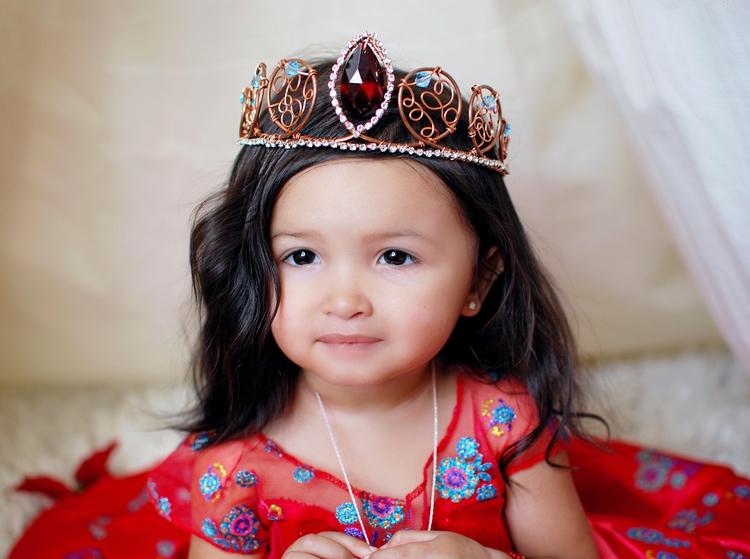 Gorgeous Zianna wearing handmad - theunicornsprincess | ello
