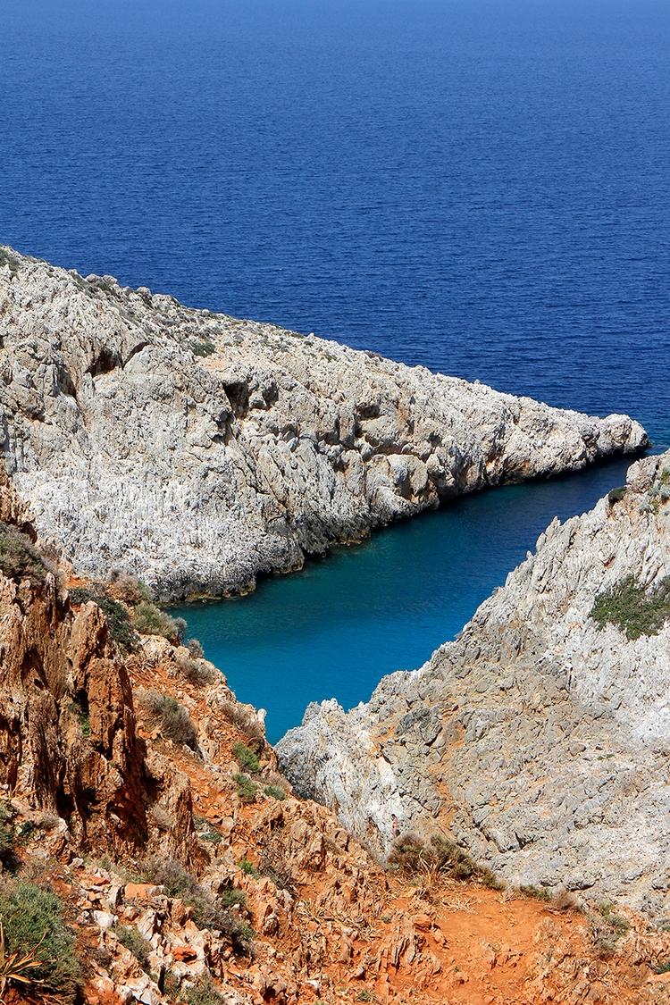seitanlimania, crete, greece - efimik | ello