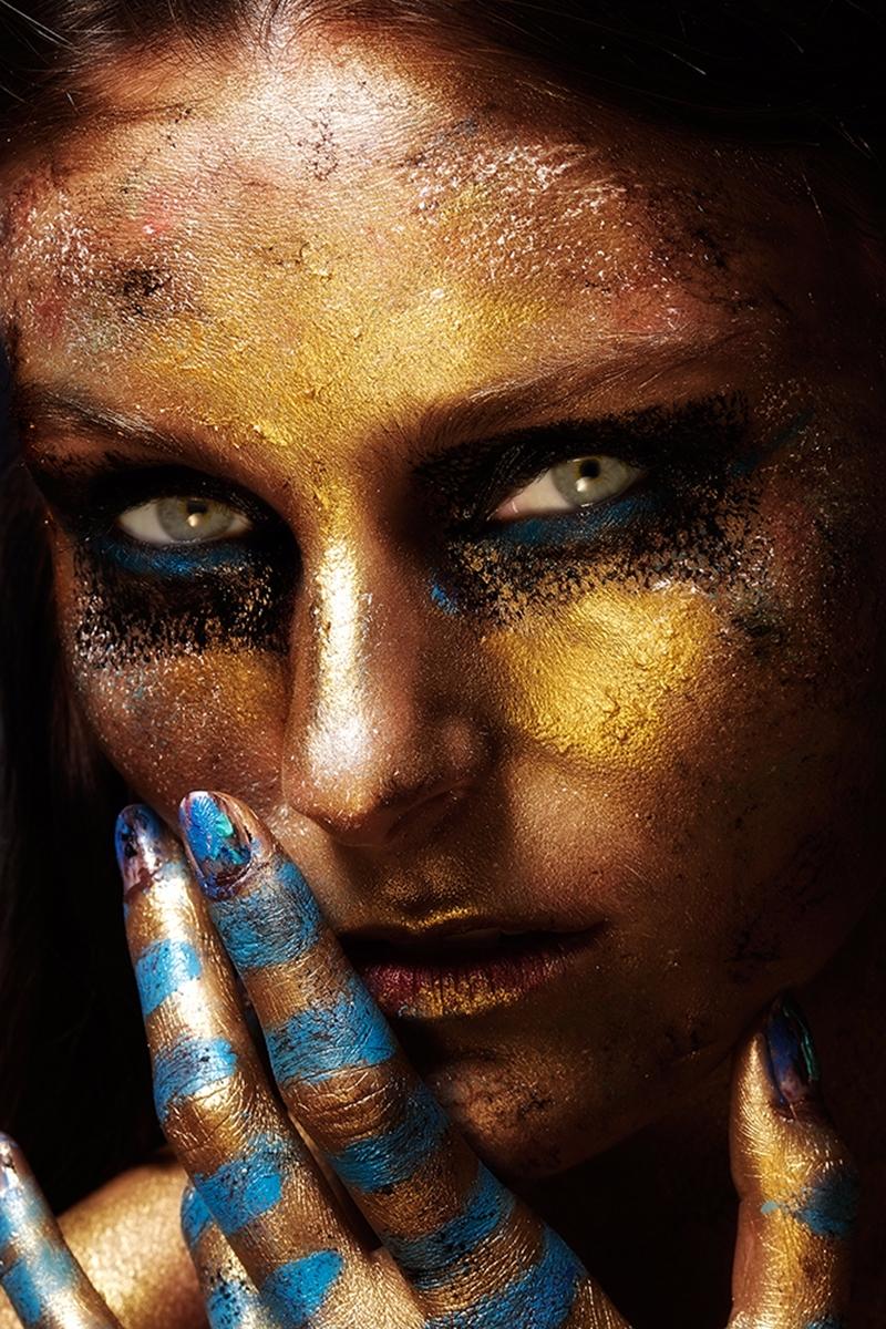 Photographer:Masaya Konmasa Ma - darkbeautymag | ello