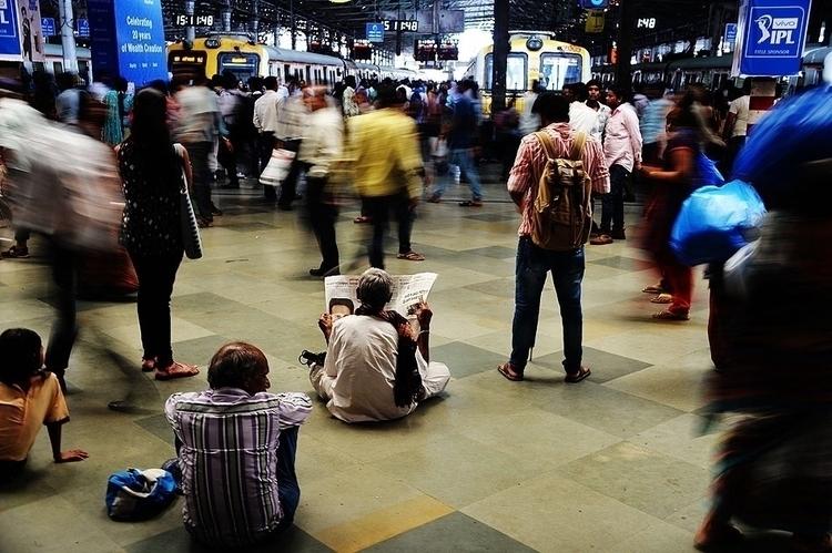 Mumbai Motion - streetphotography - hixposure | ello
