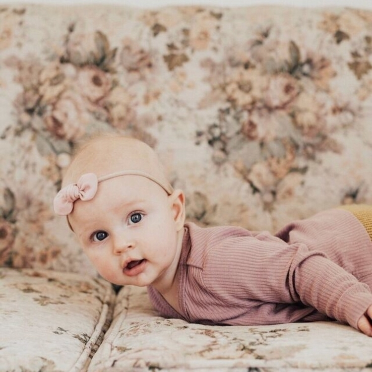 gorgeous babe Pink Evie Bow | g - mae_and_rae | ello