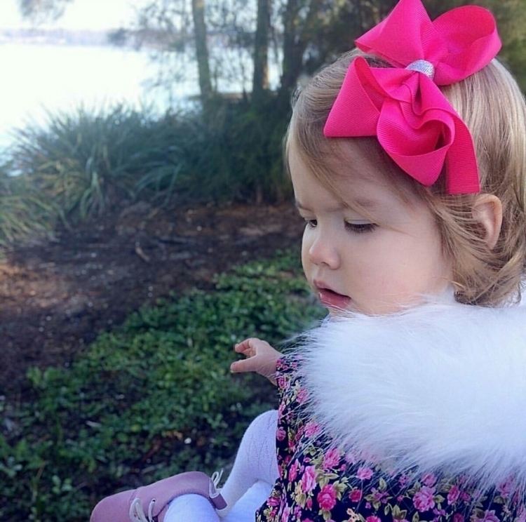 •PRETTY PINK• Ivy enjoying love - beautifulbowtiques | ello