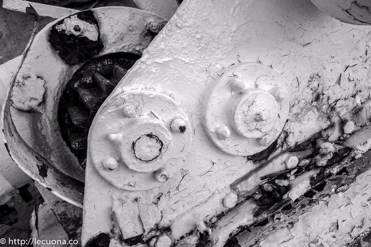 Gears peeling paint: gears harb - lecuona | ello