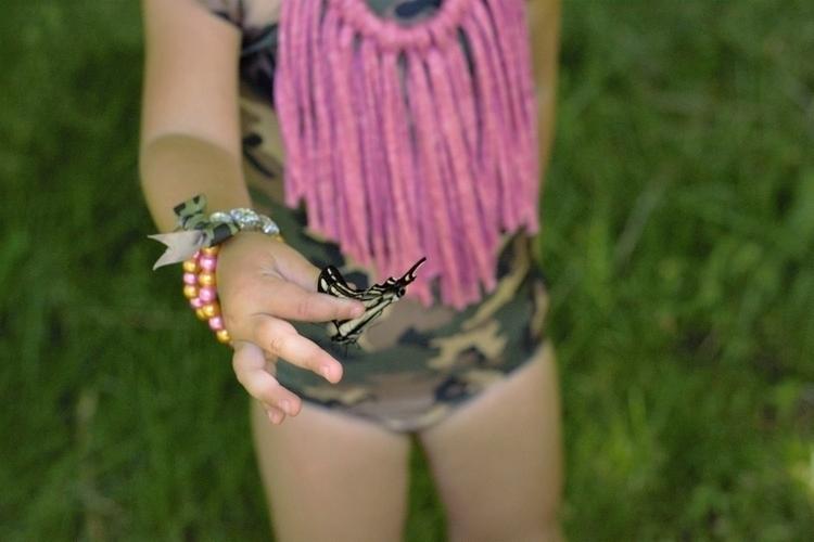 Kinlee butterfly whisperer 🦋 fo - misskinlee_ | ello
