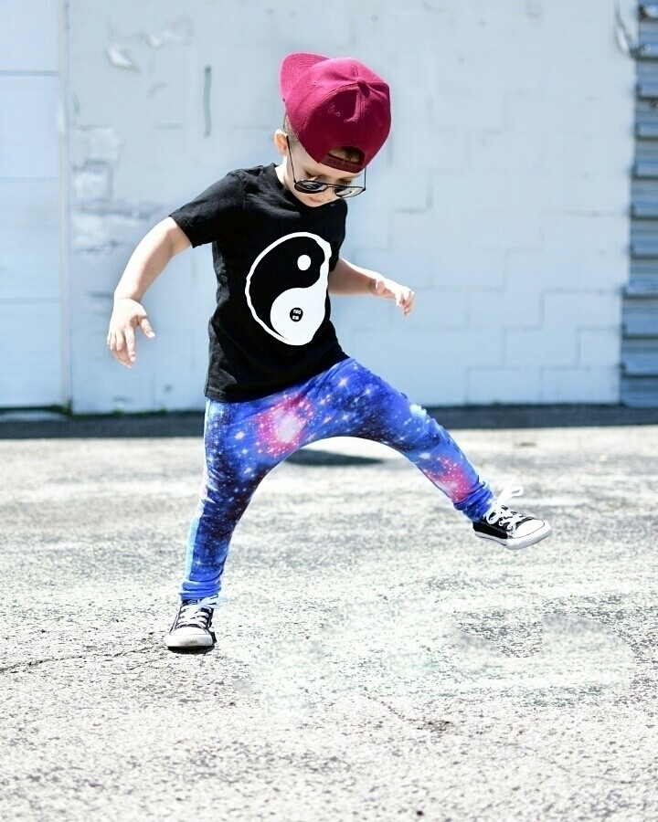 Galaxy harems Hat Tee Harems - laughswithlincoln | ello